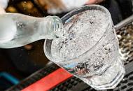 Как быстро охладить напитки в жаркую погоду